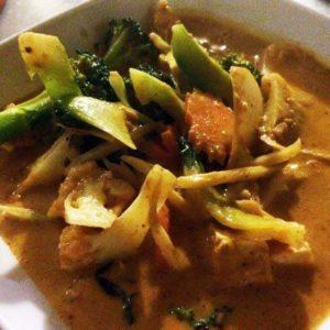 Sült mogyorós curry burgonyával